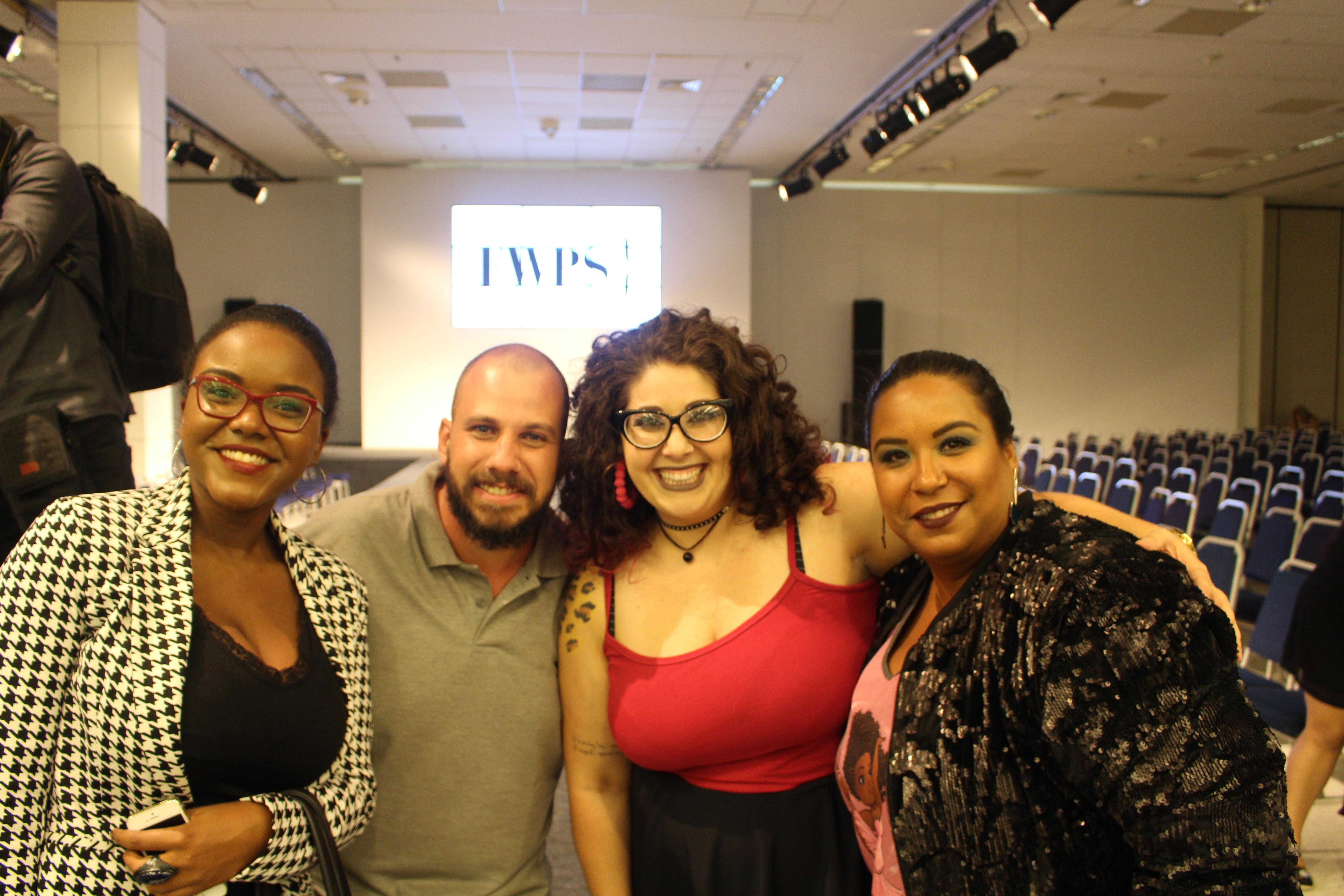 Com os ganhadores do concurso do Blog Rudz Felipe Gulin, jornalista e fotografo e Renata Daes do Blog Coisas de Uma Plus. E tambem com Keylla Brito do Blog Purpurina nas Vaidosas