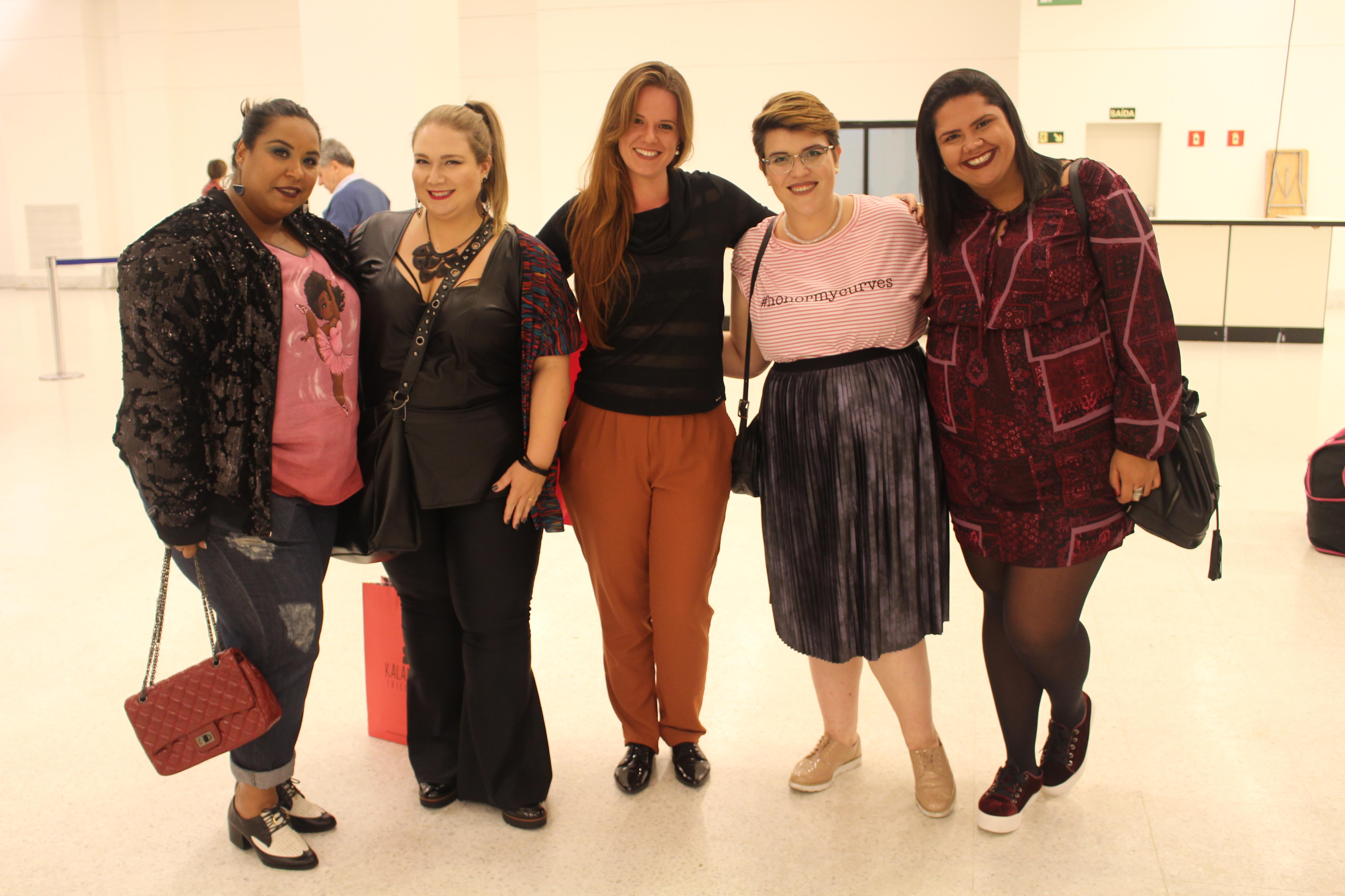 Com a Carol do Blog Lady Fofa, Aline da Mirasul, a Gabi do Blog Garotas Gordinhas e a Jaque do Blog Eu Plus Size