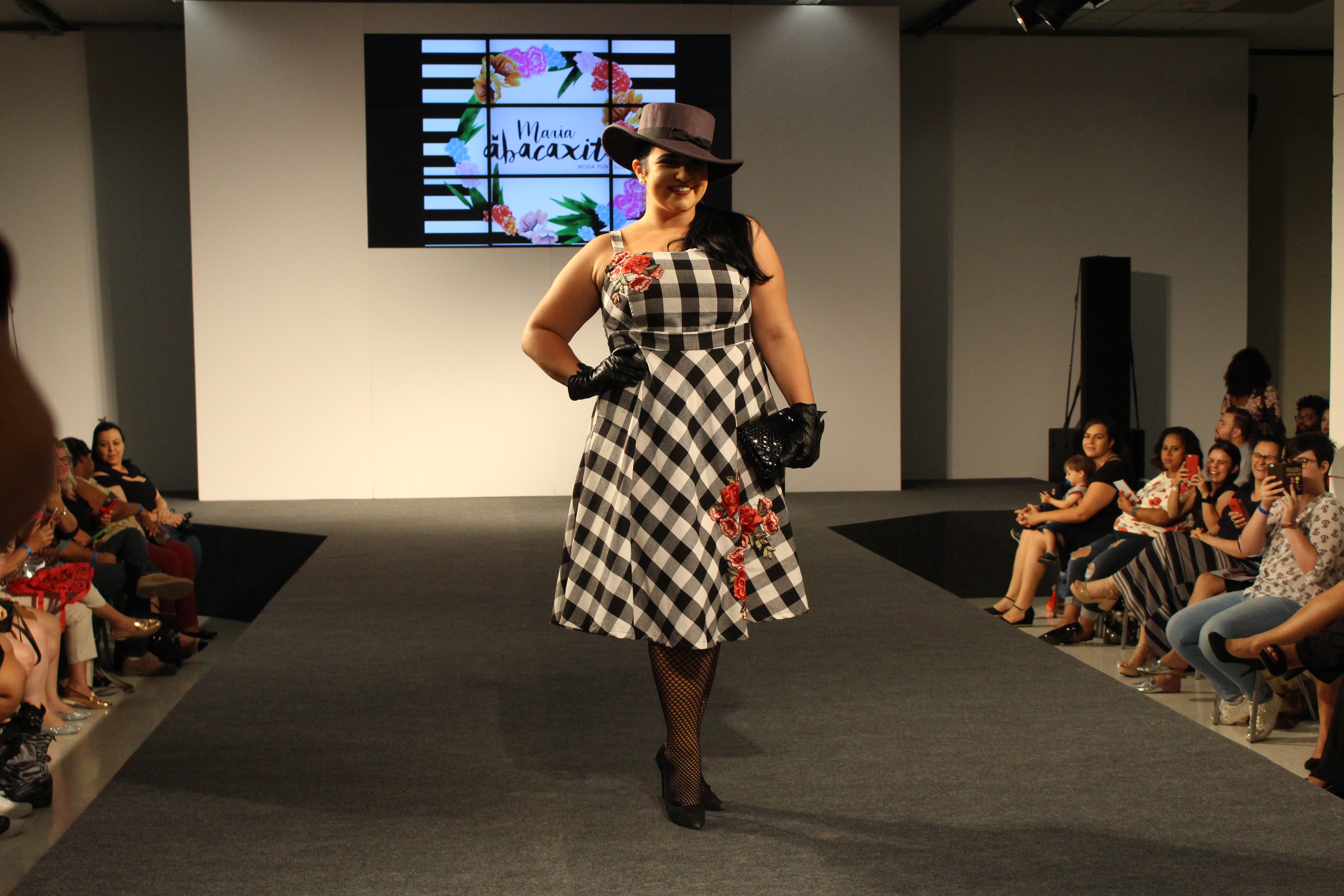 Maria Abacaxita no Fashion Weekend Plus Size